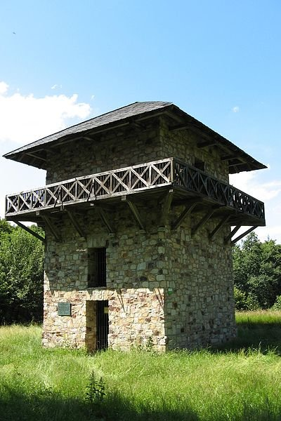 Reconstructed Limes watchtower in Kastell Zugmantel, Taunus