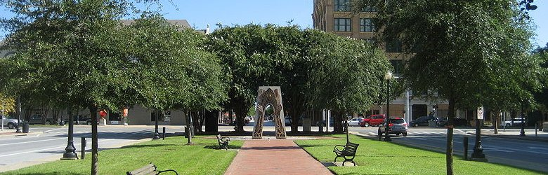 Park in downtown Pensacola