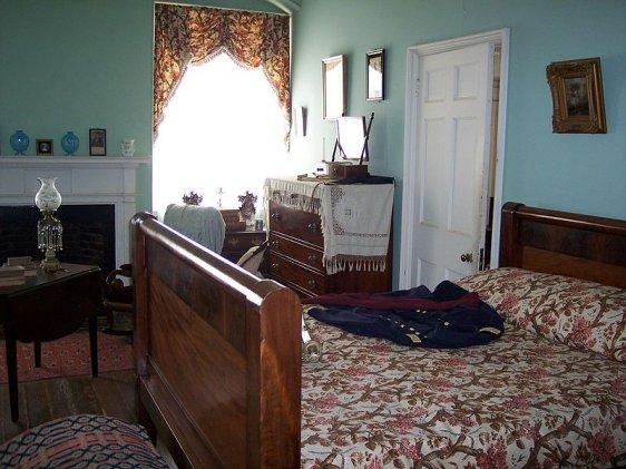 Robert E Lee's bedroom in Arlington House