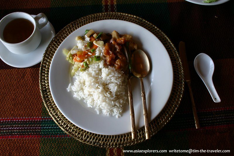 Lunch at Green Elephant Restaurant, River View, Bagan
