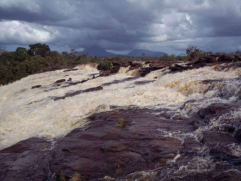 Salto Sapo waterfall in Canaima National Park