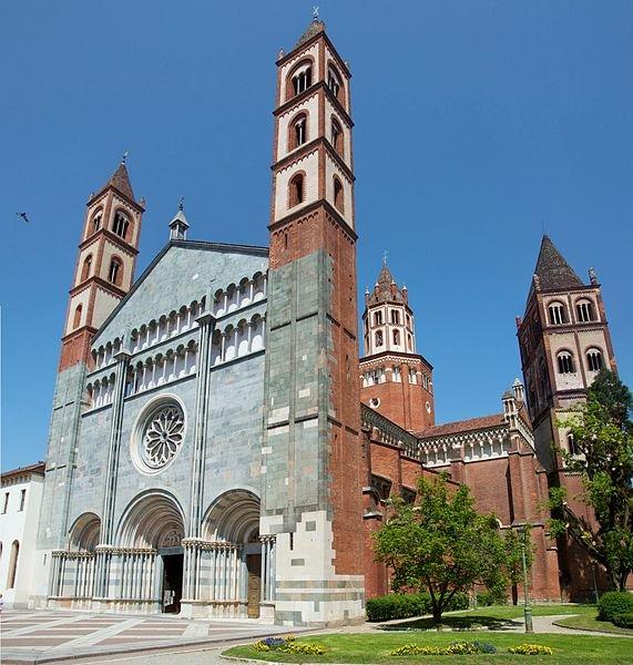 Sant Andrea Basilica, Vercilli, Italy