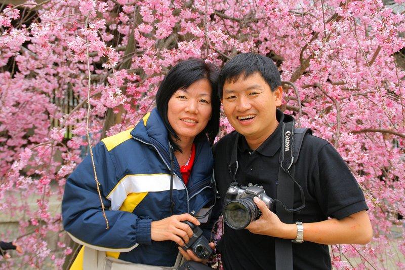 Tim and Chooi Yoke with the sakura of Nara