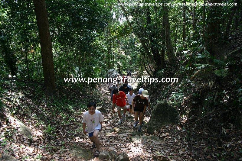 AsiaExplorers members joining the climb