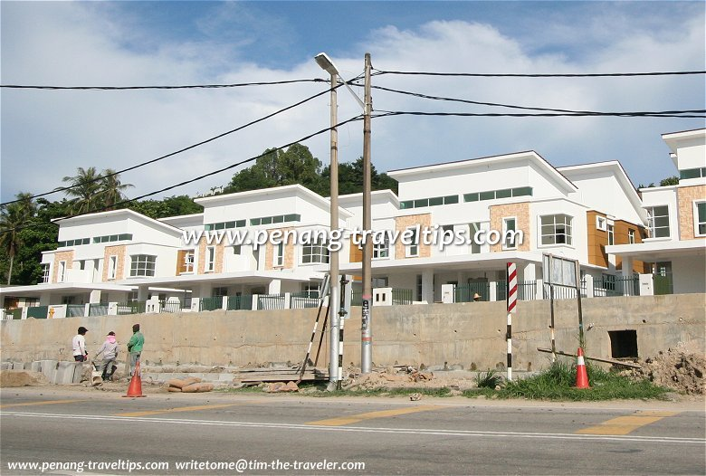 Batu Maung develops in anticipation of the Second Bridge