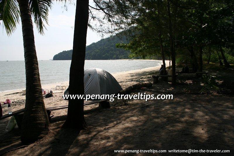 Camping on Teluk Duyung