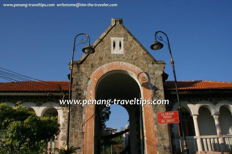Gatehouse, Bel Retiro