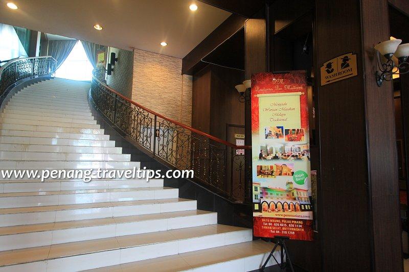Grand staircase, Restoran Pen Mutiara