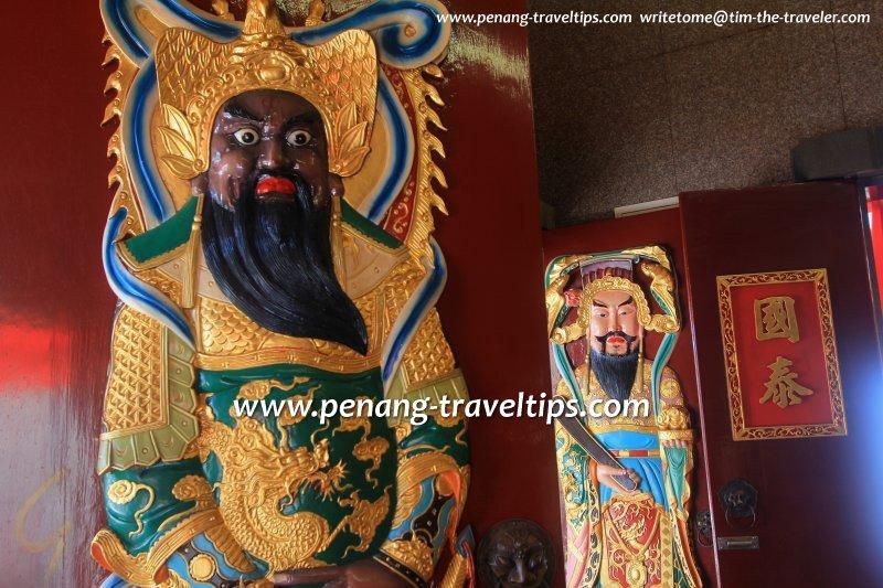 Hong San Keong door gods