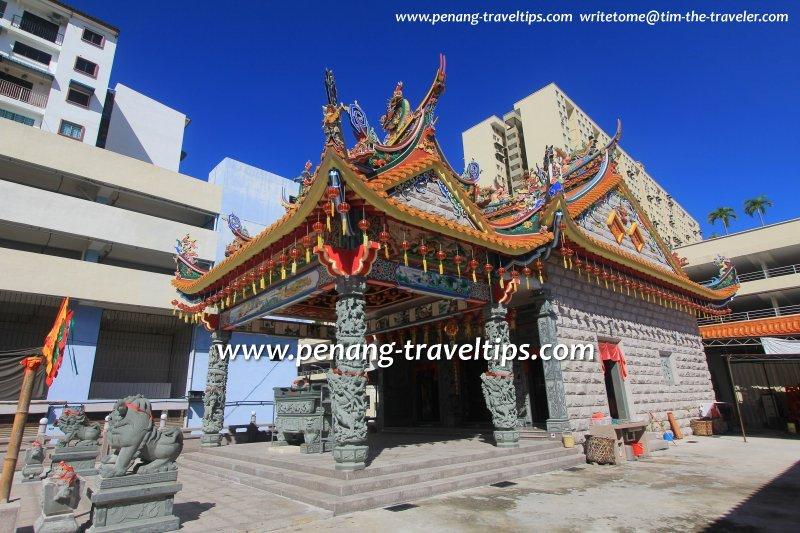 Side view of Hong San Keong Temple