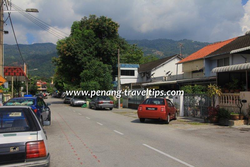 Jalan Pisang Emas, Kampung Melayu
