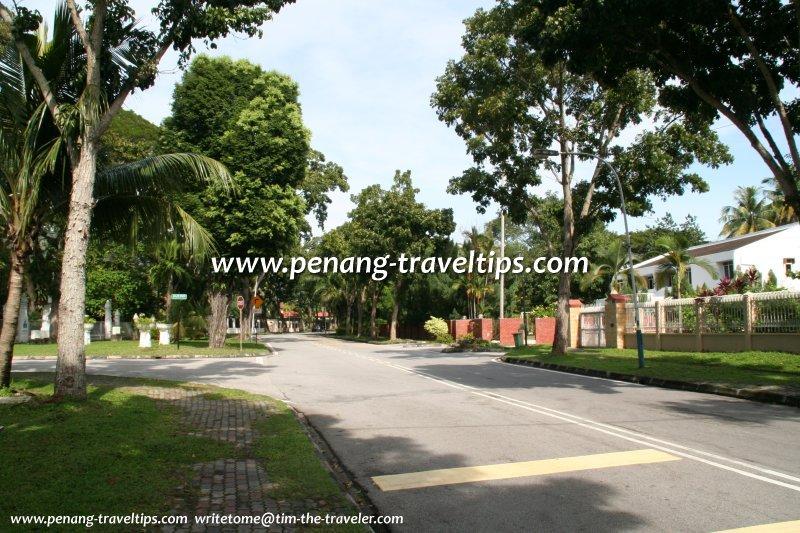 Jalan Tunku Abdul Rahman (Ayer Rajah Road)