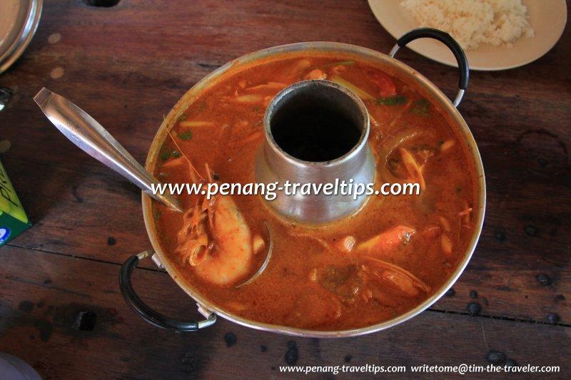 Khun Thai's seafood tomyam